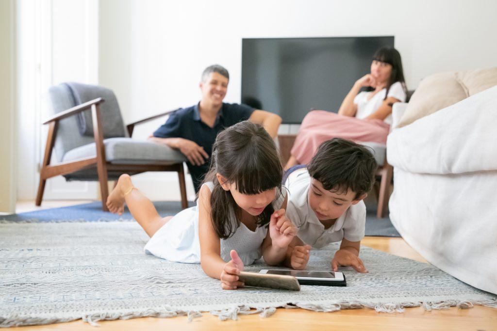 Imagen de efectos de las pantallas en niños.